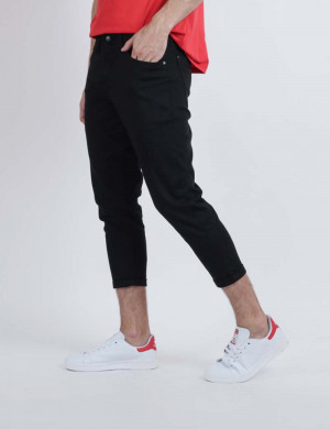 Freshgear Cropped Pants In Black